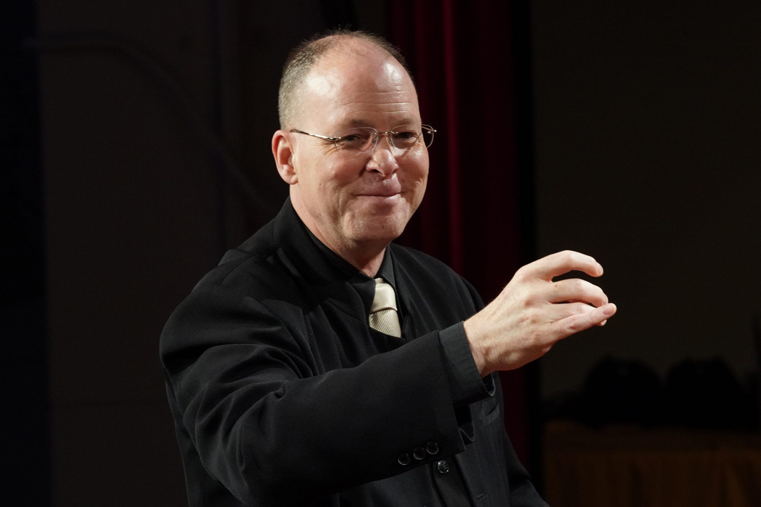 Andraž Hauptman, dirigent in pianist